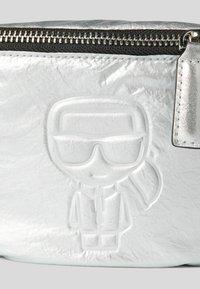 KARL LAGERFELD - Bum bag - silver - 4