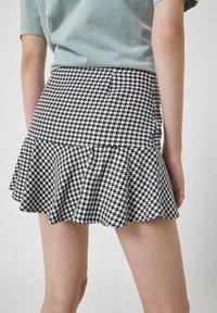 PULL&BEAR - Mini skirt - mottled black - 2