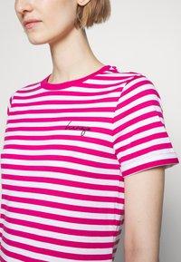 HUGO - THE SLIM TEE - Print T-shirt - bright pink - 5