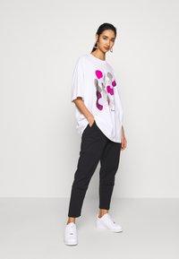 Monki - CISSI TEE  - T-shirts - white - 1