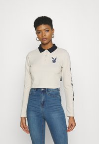 Missguided - PLAYBOY VARSITY CROP - Polo shirt - stone - 0