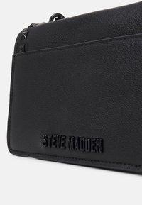 Steve Madden - BASPENN CROSSBODY - Across body bag - black - 3