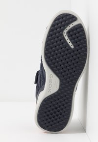 Geox - SNAKE.2 BOY - Baskets montantes - navy - 5