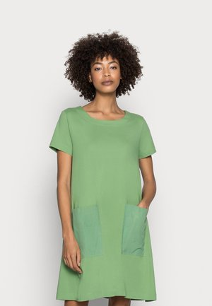 DRESS - Jersey dress - leaf green
