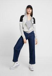 Hollister Co. - CORE - Zip-up hoodie - heather grey - 1
