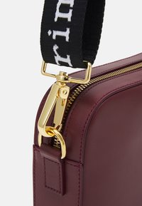 Marimekko - GRATHA BAG - Across body bag - winered - 3