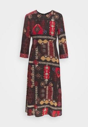 VEST ALBURQUERQUE - Robe d'été - black