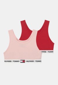 primary red/pale pink