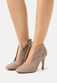 Toral - Classic heels - taupe - 0