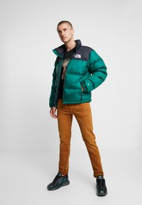 The North Face - UNISEX - Down jacket - night green - 1