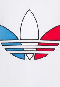 adidas Originals - TRICOL TEE UNISEX - T-shirts print - white - 6