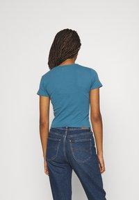 BDG Urban Outfitters - MOTHER EARTH BABY TEE - Triko spotiskem - blue - 2