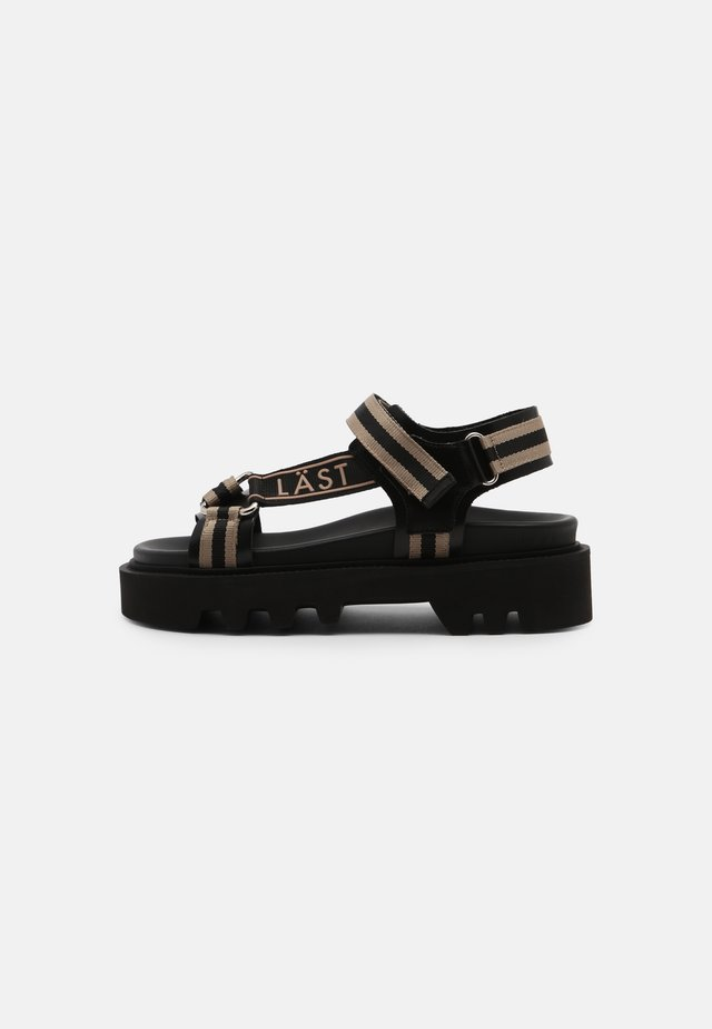 CANDY - Sandalen met plateauzool - black/taupe