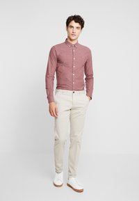 Farah - STEEN  - Shirt - dark mauve - 1