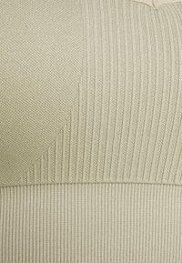 Smilodox - SEAMLESS BRA  - Light support sports bra - grau - 2
