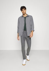 GANT - Trousers - charcoal melange - 1