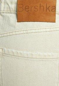 Bershka - Jeans a zampa - sand - 5