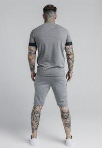 SIKSILK - EXHIBIT TECH TEE - Print T-shirt - grey marl - 2