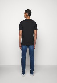 PS Paul Smith - MENS  - Print T-shirt - black - 2