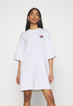 OVERSIZED BADGE TEE DRESS - Robe d'été - white