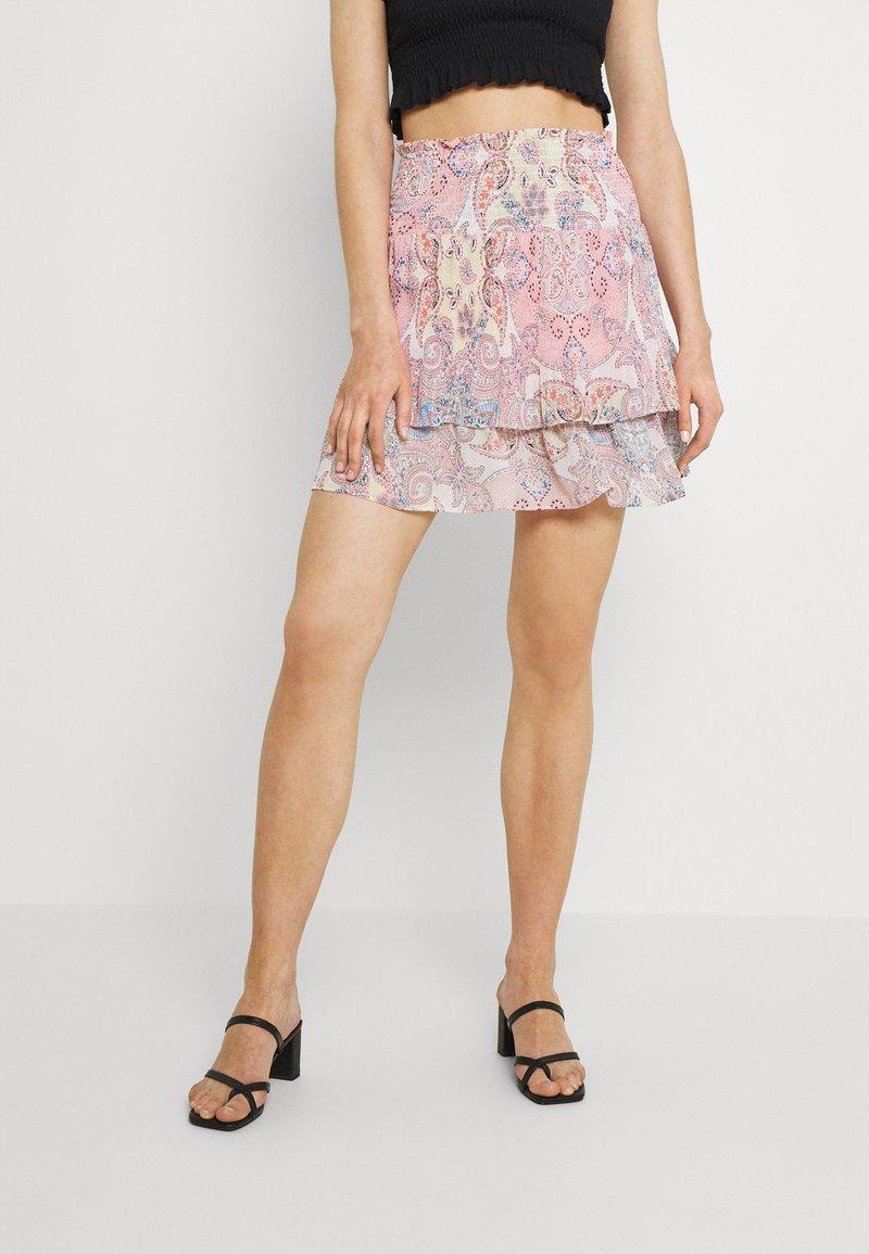 ONLY - ONLALLY SMOCK LAYERED SKIRT - Mini skirt - sugar coral/desert