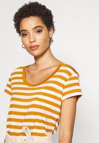 Anna Field - Print T-shirt - white/yellow - 4