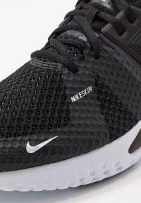 Nike Performance - RENEW FUSION - Sportovní boty - black/white/dark smoke grey - 5