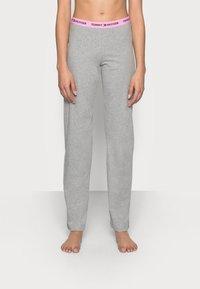 Tommy Hilfiger - SLEEP PANT - Pyjama bottoms - mid grey heather - 0
