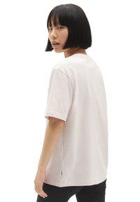 Vans - WM CLASSIC PATCH POCKET - Basic T-shirt - hushed violet - 1