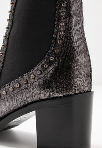 Liu Jo Jeans - OLIVIA - Classic ankle boots - pewter - 2