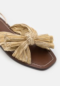 Loeffler Randall - PEONY - Sandály - gold lame - 6