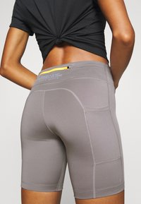 Nike Performance - FAST SHORT TRAIL - Leggings - enigma stone/silver - 5