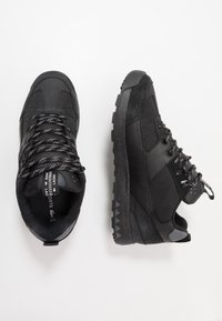 Lacoste - URBAN BREAKER - Baskets basses - black - 1