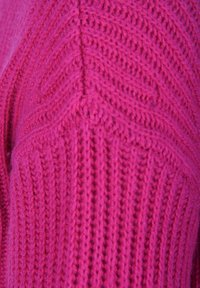 Princess goes Hollywood - MIT V-AUSSCHNITT - Maglione - berry - 3
