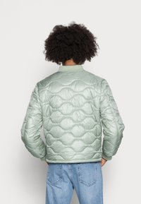 Another Influence - ONION QUILT JACKET - Blouson Bomber - mint - 2