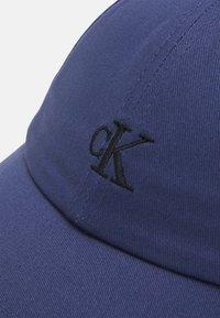 Calvin Klein Jeans - MONOGRAM BASEBALL UNISEX - Kšiltovka - blue - 3