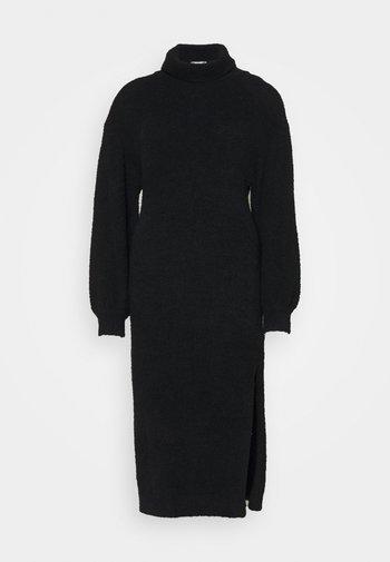 FLUFFY SLOUCHY SIDE SPLIT JUMPER DRESS