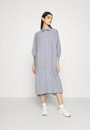 LAND DRESS - Vestido camisero - grey