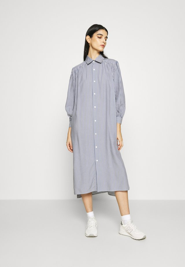 LAND DRESS - Shirt dress - grey