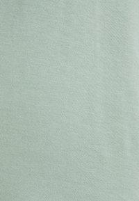 ONLY - ONLMOSTER ONECK - T-shirts - jadeite - 2