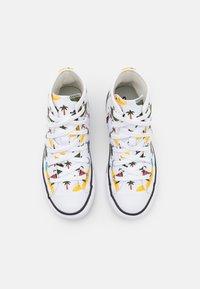 Converse - CHUCK TAYLOR ALL STAR  - Zapatillas altas - white/multicolor/black - 3