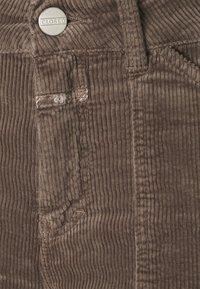 CLOSED - ABE - Pantaloni - chocolate chip - 2