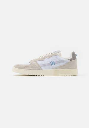 SUPERCOURT UNISEX  - Trainers - offwhite/footwear white/chalk solid grey