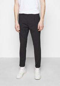 J.LINDEBERG - SASHA PLEATED PANTS - Pantalon classique - navy - 0