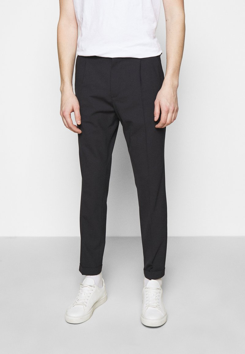 J.LINDEBERG - SASHA PLEATED PANTS - Pantalon classique - navy