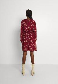 Vero Moda - VMFRAYA V NECK BALLOON DRESS - Shirt dress - cabernet - 2