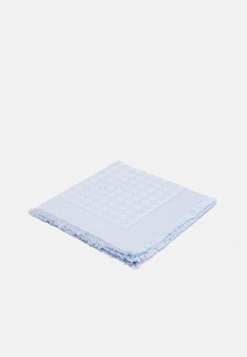 LOGO LIGHTWEIGHT TRAVELER - Šátek - crisp blue