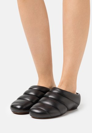 RONDO PUFFLY  - Nazouvací boty - black