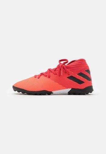 NEMEZIZ 19.3 FOOTBALL BOOTS TURF UNISEX - Astro turf trainers - signal coral/core black/glory red