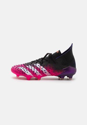 PREDATOR FREAK .1 FG - Voetbalschoenen met kunststof noppen - core black/footwear white/shock pink